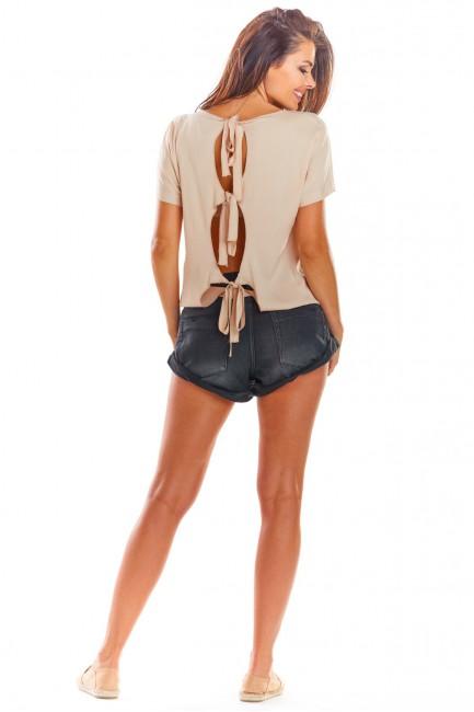Ekstrawagancka bluzka o prostym kroju - beżowa