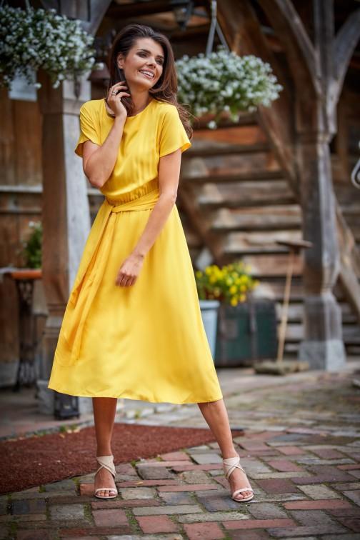 CM4495 Sukienka midi z rękawem kimono - żółta