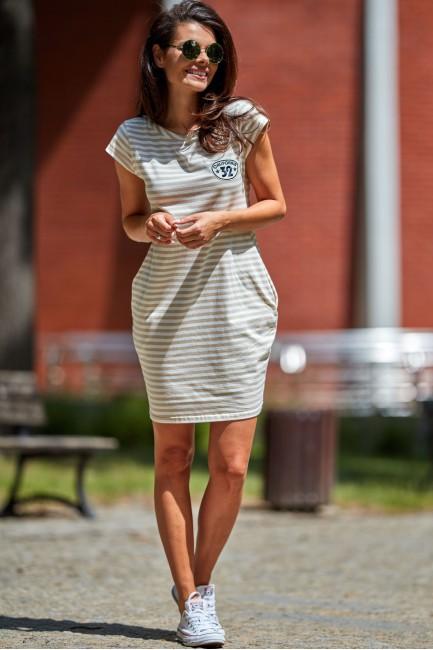 Dzianinowa sukienka z krótkim rękawem - beżowa-paski