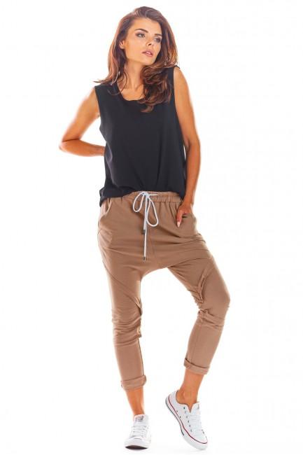 Luźne dresowe spodnie damskie - beżowe