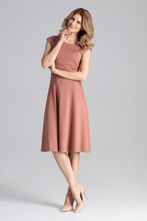 CM4623 Odcinana sukienka midi z marszczeniami - brązowa