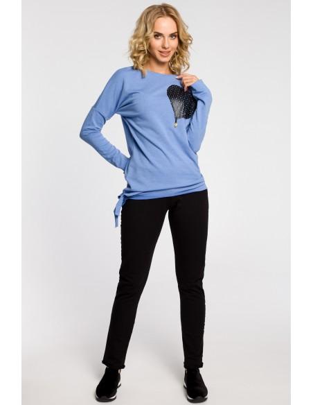 Bluza damska dresowa z ozdobny sercem - niebieska