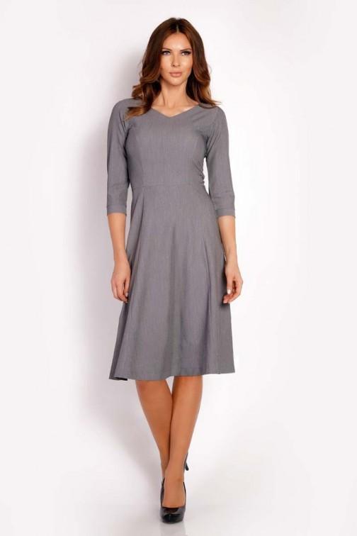 CM3293 Elegancka dopasowana sukienka w kontrafałdy - szara