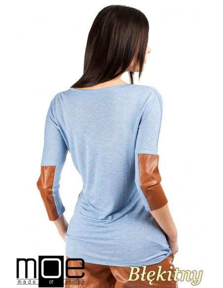 Zwiewna bluzka damska z rękawem 3/4 ze skórzanymi wstawkami - błękitna