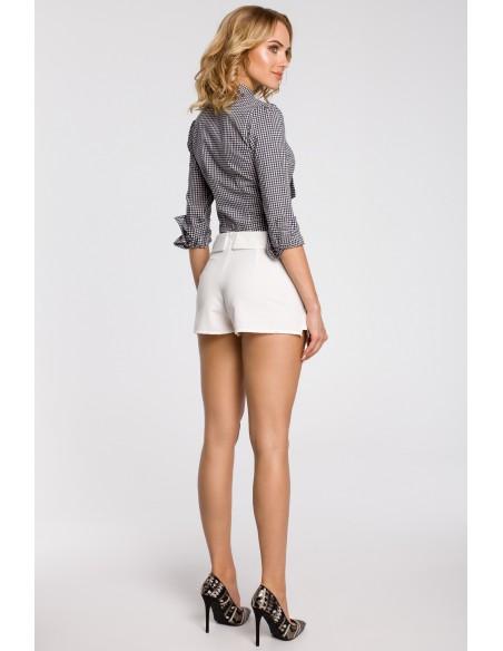 Krótkie spodenki z zakładką z przodu imitującą spódnicę - ecru