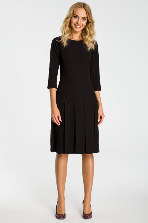 CM3301 Sukienka z obniżoną talią i kontrafałdami - czarna