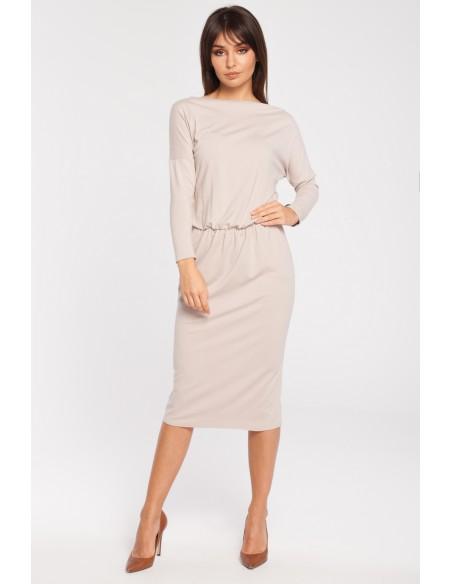 Odcinana dopasowana sukienka z rękawem 3/4 - beżowa