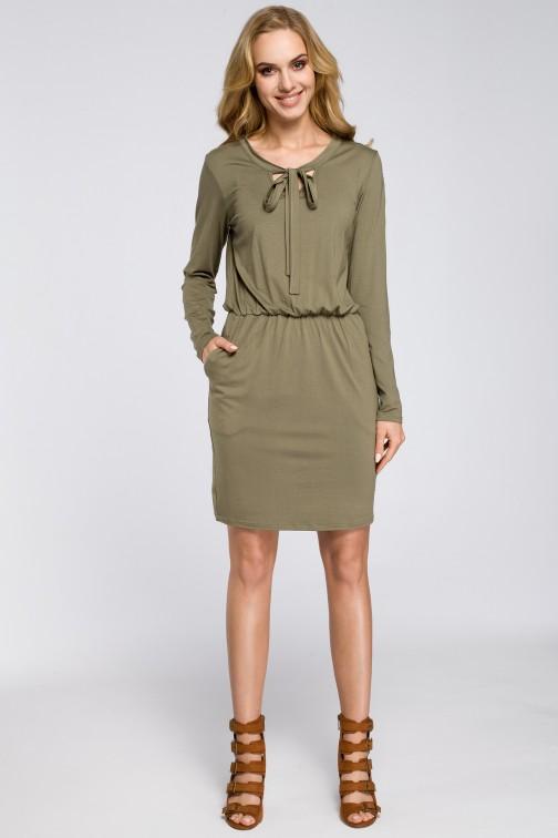 CM2563 Sukienka z marszczeniami i wiązanym dekoltem - khaki