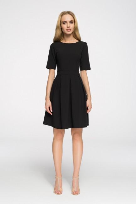 Biurowa sukienka w kontrafałdy - czarna