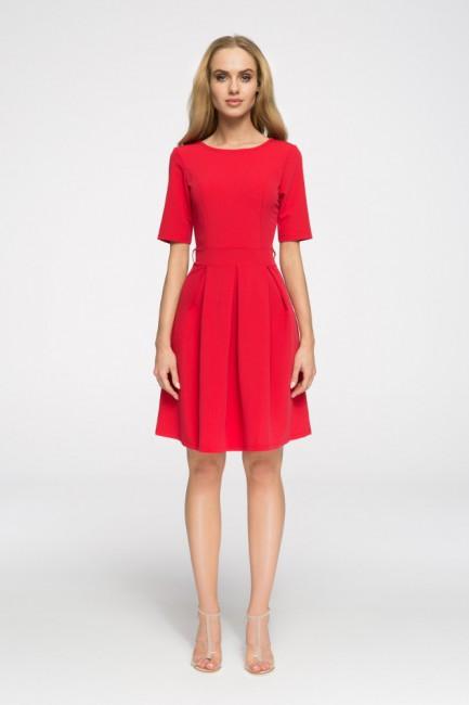 Biurowa sukienka w kontrafałdy - czerwona