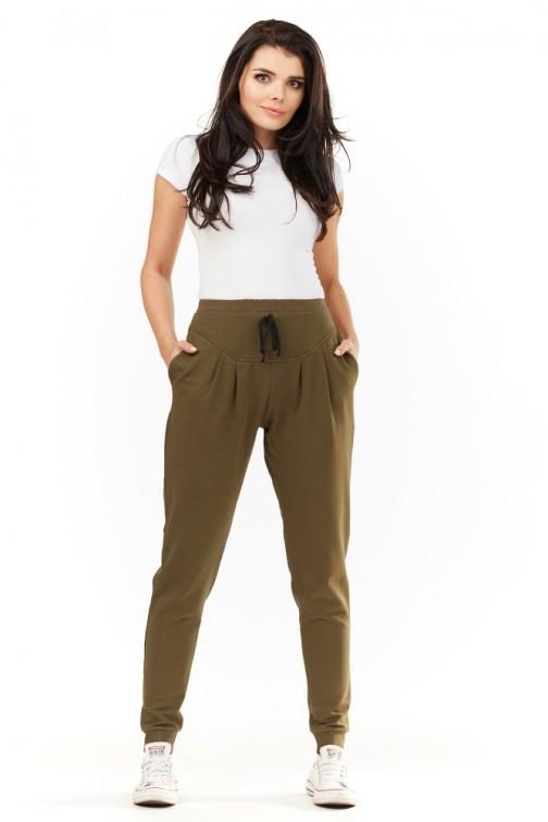 Dresowe spodnie damskie z kieszeniami oliwkowe