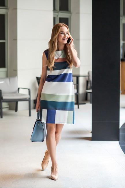CM2720 Ołówkowa sukienka...