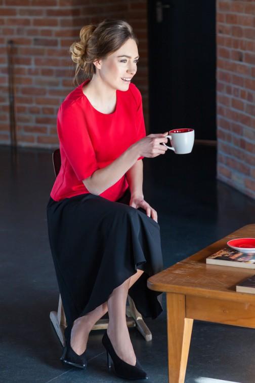Elegancka gładka bluzka - czerwona