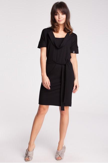 Przewiązana sukienka z wykładanym kołnierzem - czarna