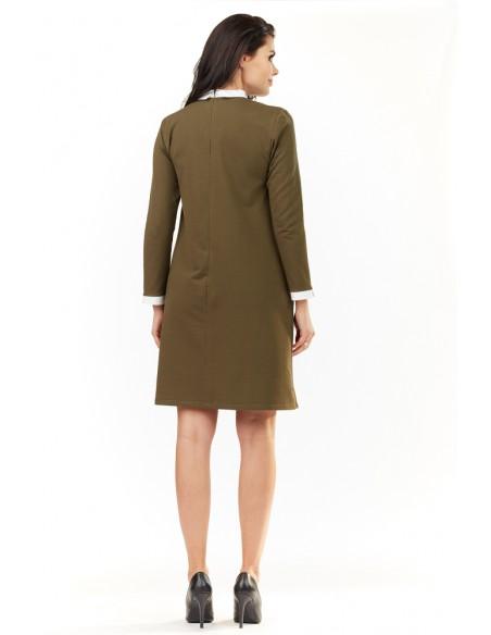 Trapezowa sukienka z kołnierzykiem - khaki