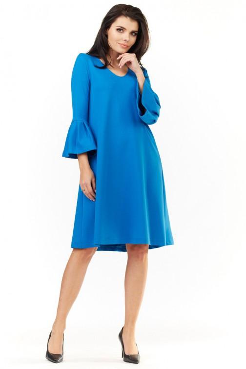 CM3498 Sukienka z falbanami przy rękawach - niebieska
