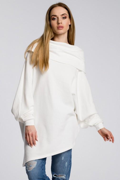 CM3583 Damska bluza z luźnym golfem - ecru