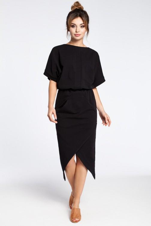 CM3026 Nowoczesna sukienka z zakładką - czarna