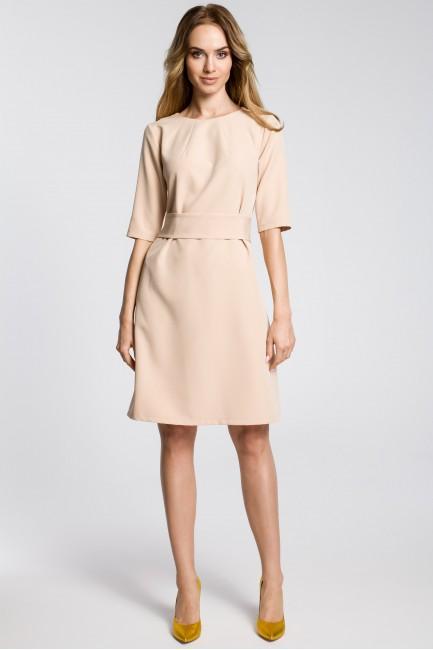 Sukienka z zaszewkami przy szyi i paskiem - beżowa