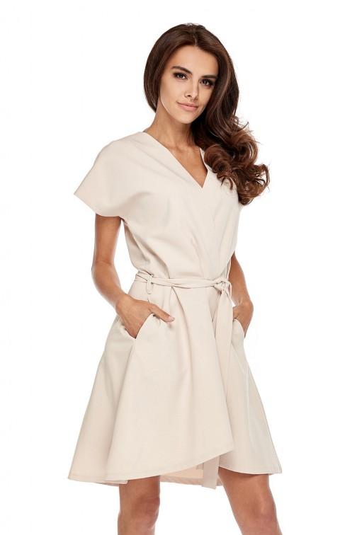 CM3510 Trapezowa sukienka z kopertowym dekoltem - beżowa