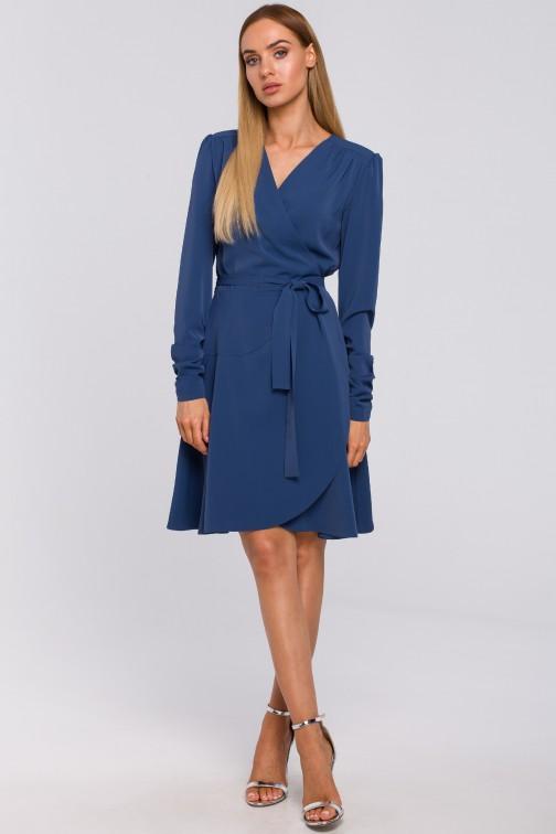 CM4997 Sukienka na zakładkę wiązana w pasie - niebieska