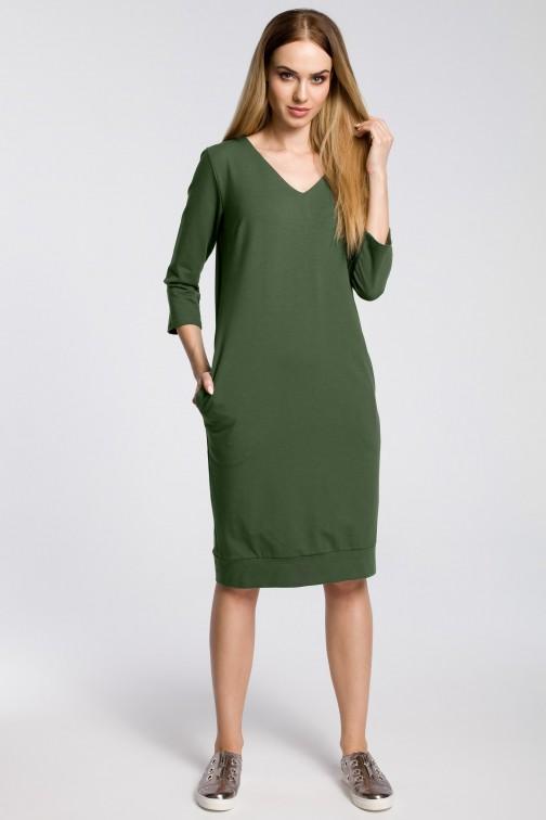 CM3599 Sukienka pudełkowa z dekoltem w serek - militarno-zielona