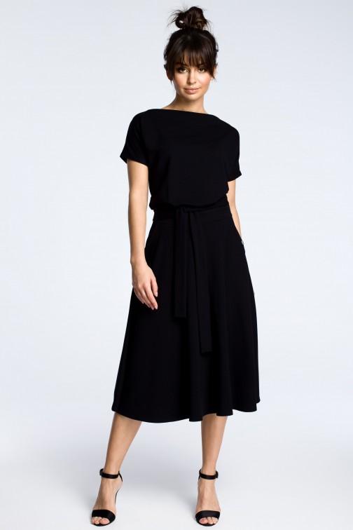 CM3604 Sukienka midi z rozkloszowanym dołem - czarna