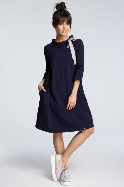 CM3607 Dresowa sukienka z wiązaniem pod szyją - granatowa