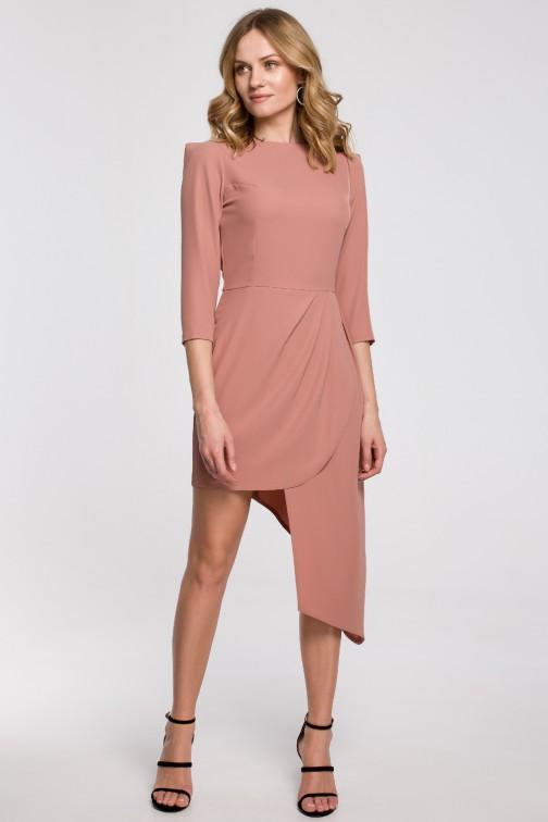 CM5237 Sukienka z asymetrycznym dołem i zakładkami - różana