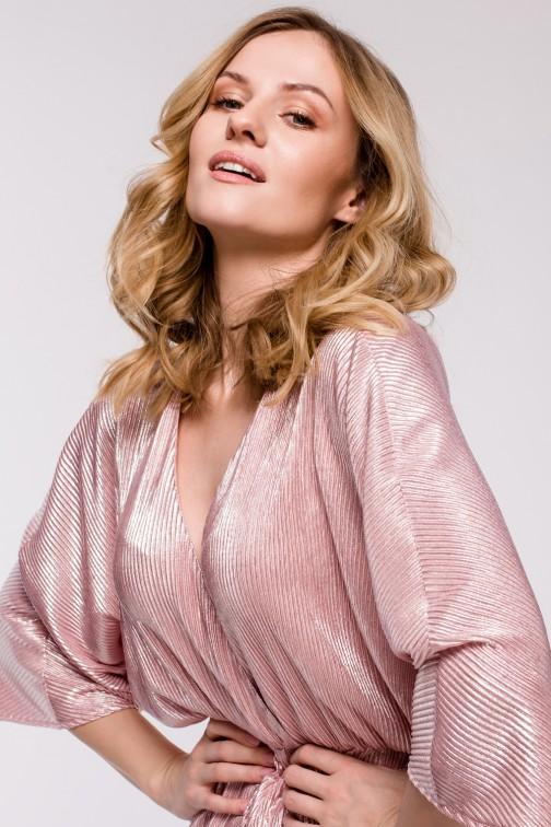 CM5250 Sukienka kimono z metalicznej tkaniny - różowa