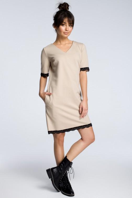 CM3614 Sukienka z rąbkiem koronki - beżowa