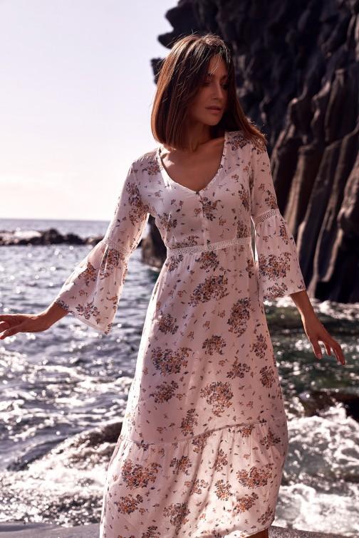 CM5323 Sukienka maxi z koronkowymi wstawkami - model 3
