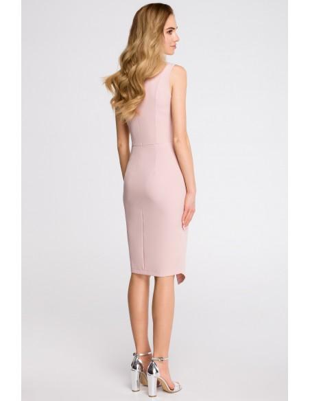 Sukienka z asymetrycznym rozcięciem z przodu - pudrowa