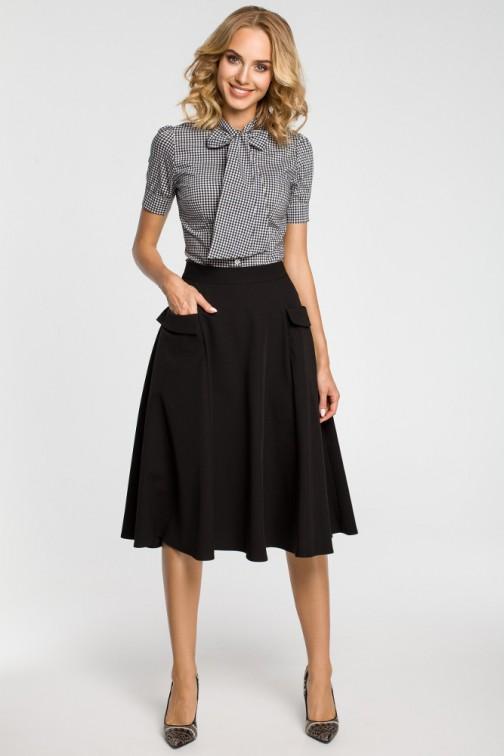 CM3100 Rozkloszowana spódnica midi z kieszeniami - czarna