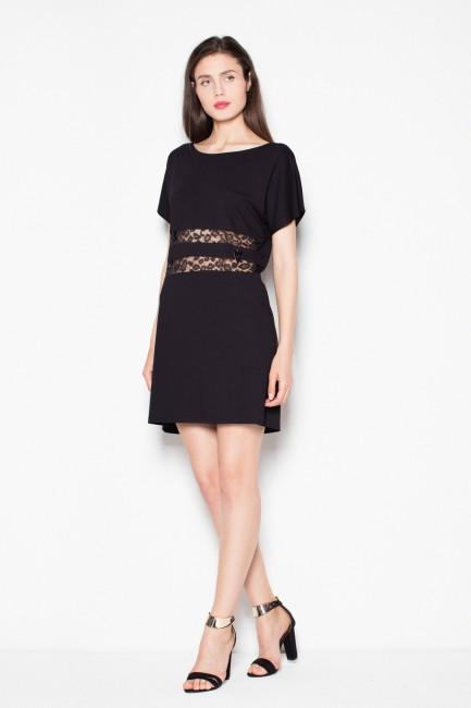 CM2972 Skromna sukienka z...