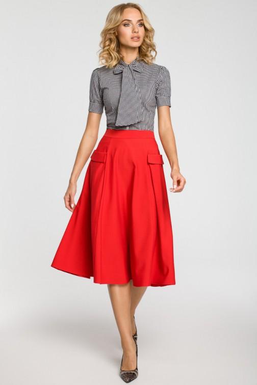 CM3100 Rozkloszowana spódnica midi z kieszeniami - czerwona