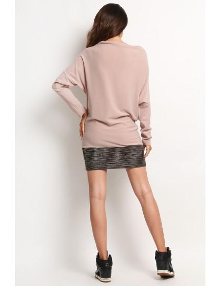 Stylowa tunika damska z kieszonką na piersi - beżowa