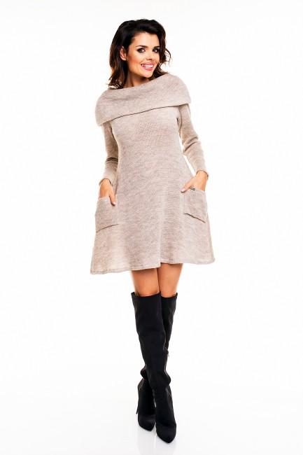 CM2402 Ciepła sukienka z...