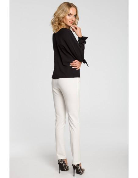 Bluzka z plisą i wiązanymi mankietami - czarna