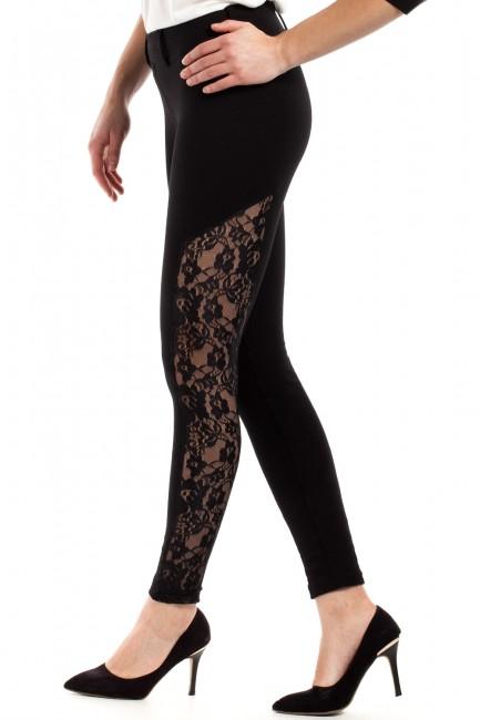 Kobiece legginsy z koronkową wstawką na nogawce - czarne
