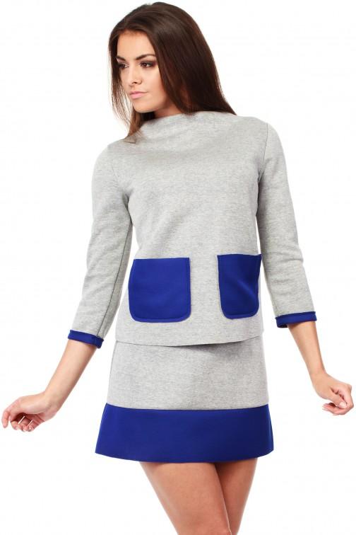 CM1035 Bluza damska z pianki ze stójką i kontrastowymi kieszeniami - chabrowa
