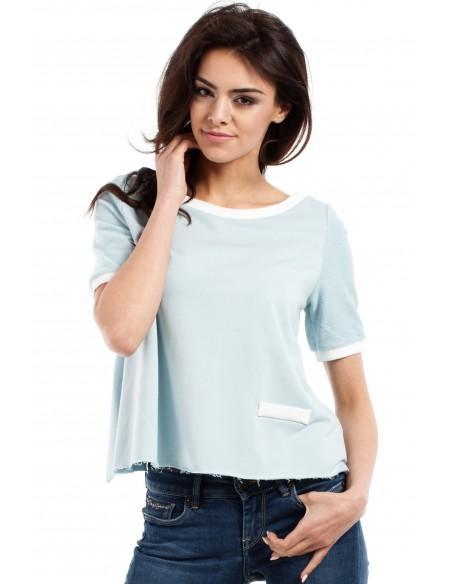 Modna bluzka damska z zakładką na plecach - błękitna
