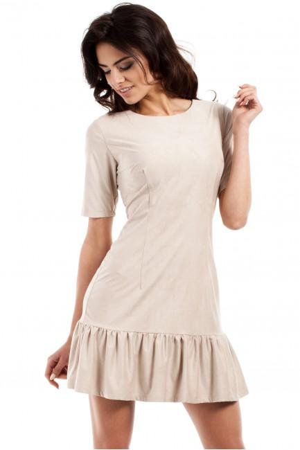 Stylowa sukienka mini z falbanką - beżowa
