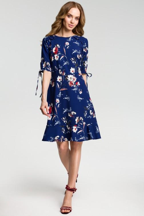 CM3641 Sukienka we wzór z falbankami - granatowa