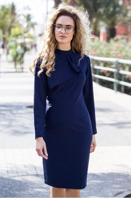 CM3104 Dopasowana sukienka...