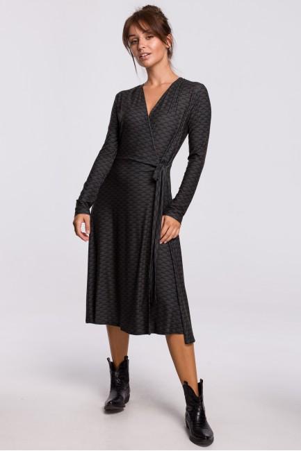 CM5417 Kopertowa sukienka z...