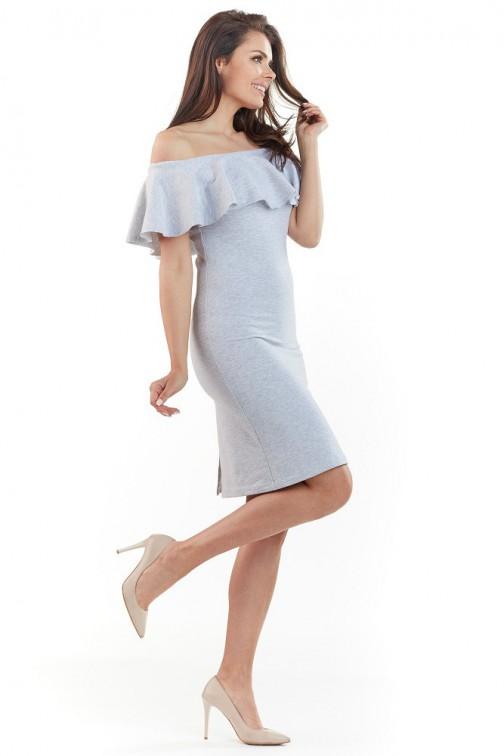 CM3729 Dopasowana sukienka z falbanką na biuście - szara