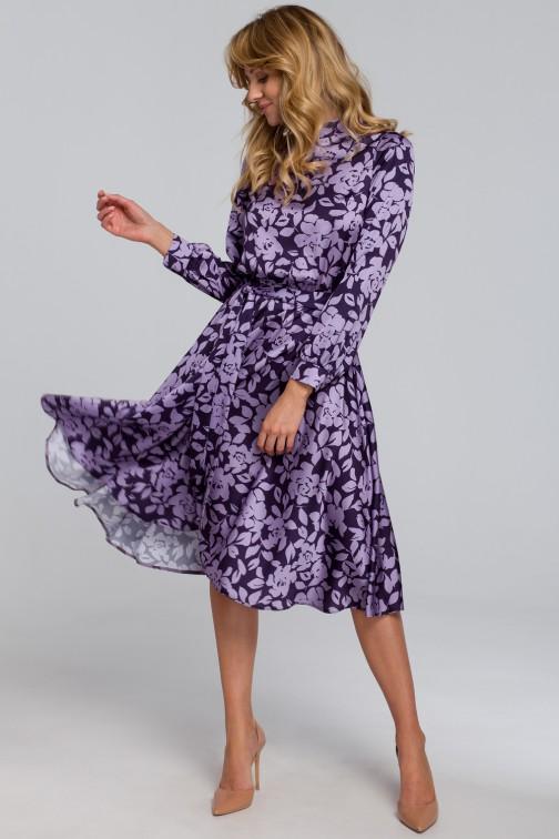 CM5461 Sukienka z rozcięciem na plecach - model 2