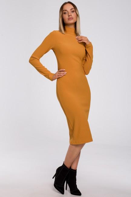 CM5490 Dopasowana sukienka...
