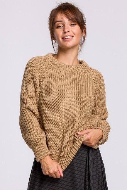 CM5522 Sweter z dekoltem...
